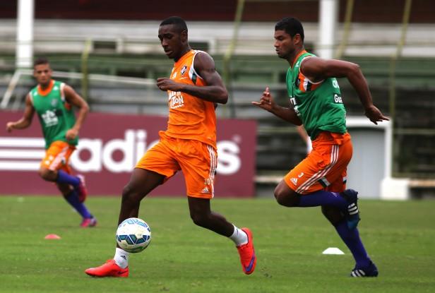 Fluminense: Na segunda atividade do dia, elenco aprimora parte táticas nas Laranjeiras