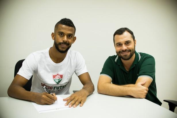 Zagueiro Renato Chaves é o quinto reforço do Fluminense para 2016