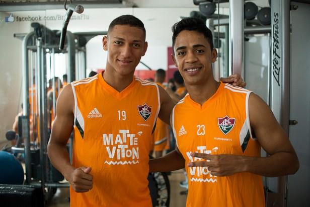 Amigos de longa data, Richarlison e Felipe Amorim são apresentados pelo Flu