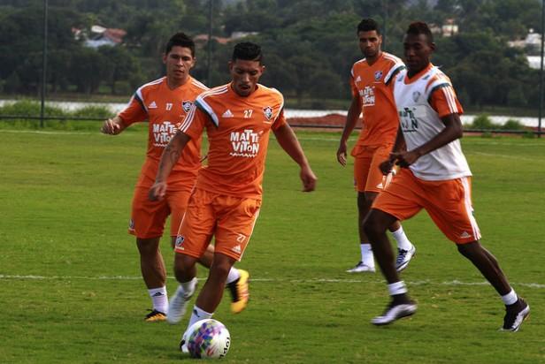 Cria de Xerém, Douglas é mais um valor a ganhar espaço no Fluminense