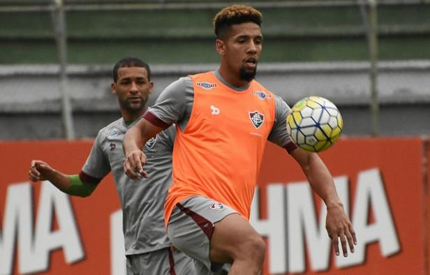 De volta ao time titular, Samuel projeta se firmar no Fluminense